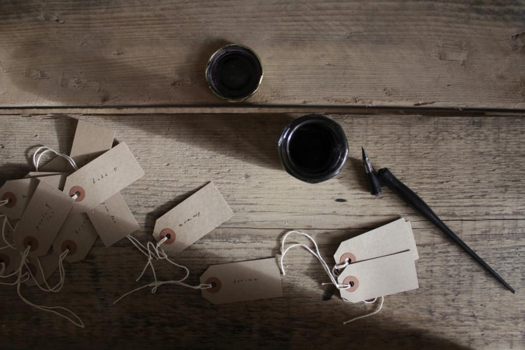 Belinda Love Lee Gift Tag Calligraphy - Lettering Tutorial