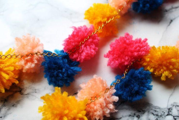 letters&beads-diy-bommeln-sandalen-bommelfinish