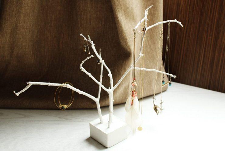 letters&beads-diy-schmuckbaum-gips-äste-title
