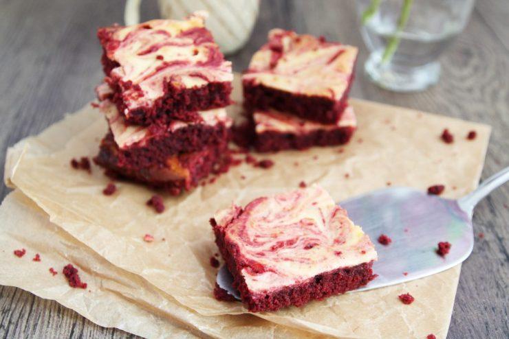 letters&beads-candbwithandrea_Marmorierte-Red-Velvet-Brownies-Rezept-diy-valentinstag