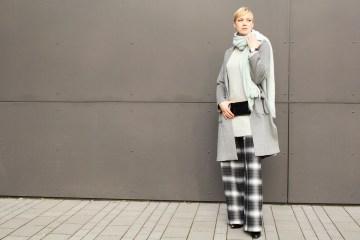 letters&beads-fashion-oversized-lagenlook-in-grau-schattierungen_1