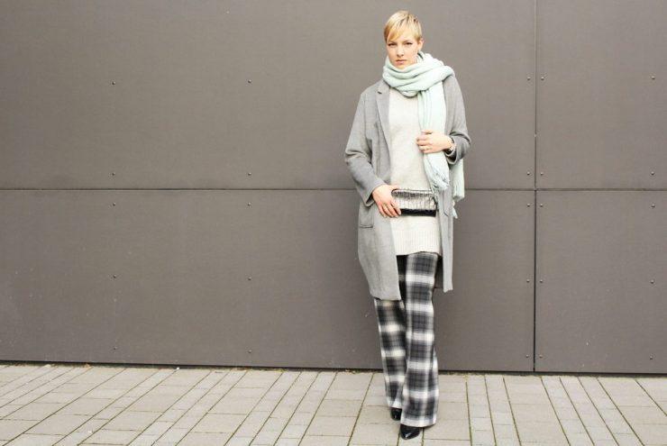 letters&beads-fashion-oversized-lagenlook-in-grau-schattierungen_3