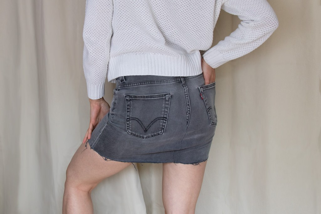 letters_and_beads_blog_diy_naehen_upcycling_jeans_hose_rock_destroyed_denim_look