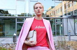 letters_and_beads_fashion_berlin_fashion_week_outfit_pink_suit_title