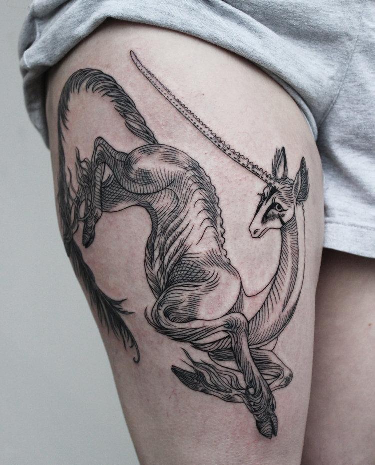 Les tatouages d'A-B M inspiré des grands illustrateurs d'époque