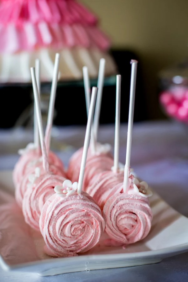 Strawberry Marshmallow -naturally gluten free, light and airy these little confections are perfect for parties
