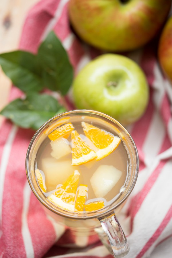 Fall Apple drink that's simple, yet satisfying! | By Let the Baking Begin!