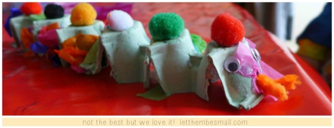 make an egg box snake