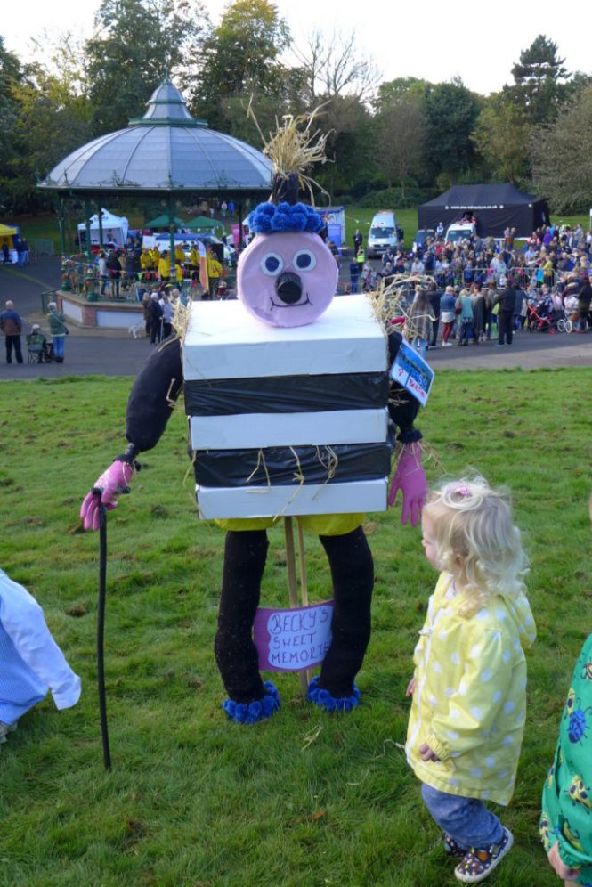 tameside scarecrow festival