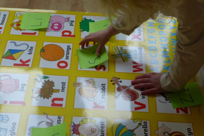 pre schooler letter recognition game