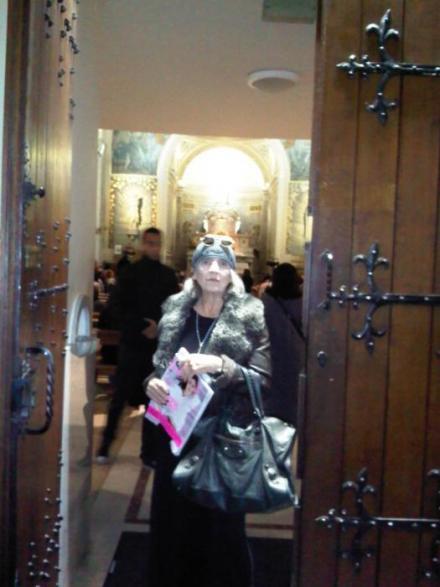 At the door of the Chapelle Notre-Dame de la Médaille Miraculeuse...