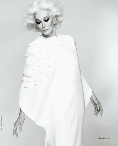 Carmen Dell'Orefice.. still modelling at 82...
