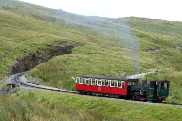 Snowdon Mountain Railway | Credit [GFDL, CC-BY-SA-3.0 or CC BY 2.5], via Wikimedia Commons