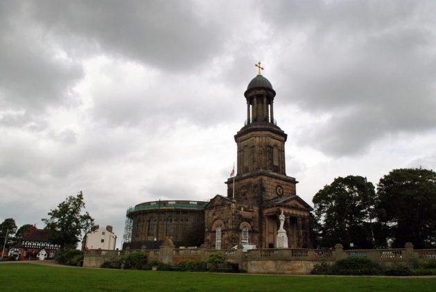 Shrewsbury, Inghilterra: chiesa di St. Chad, esterno, vista dal parco