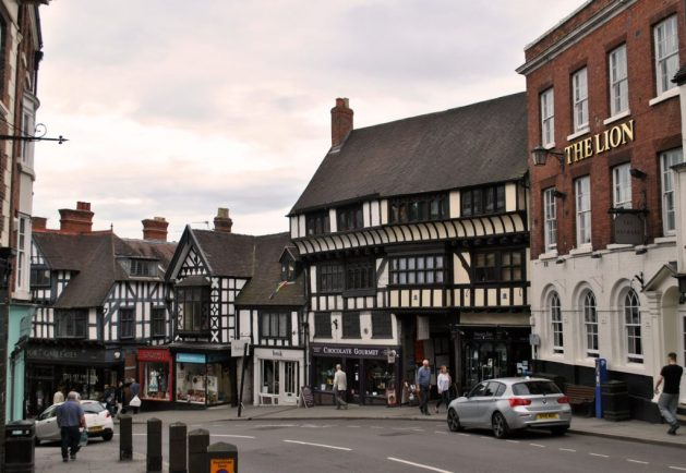 Shrewsbury, Inghilterra: Wyle Cop, davanti al The Lion Hotel