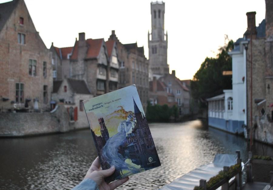 Viaggio letterario a Bruges, libro