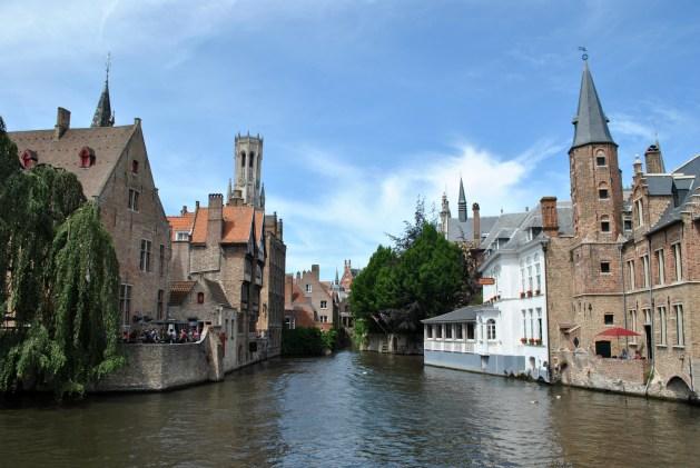 Viaggio letterario a Bruges, vista dal Rozenhoedkaai