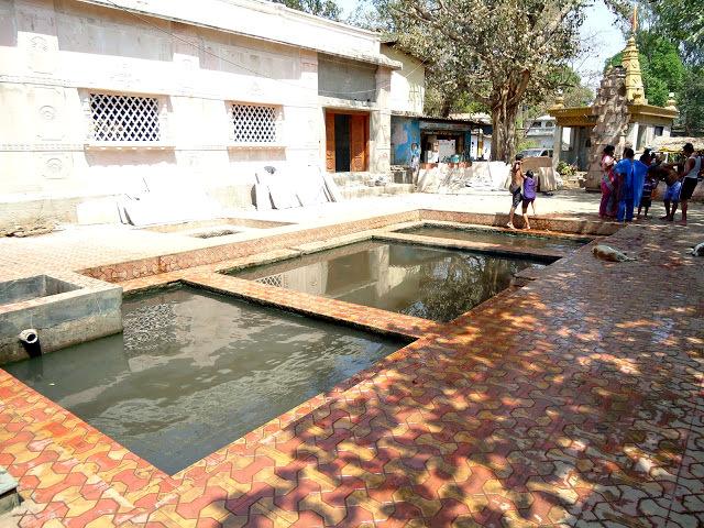 The hot water spring at Akoli, Maharashtra.