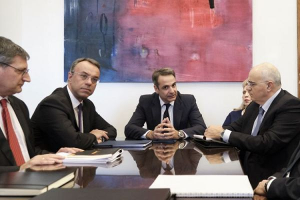 Συνάντηση Μητσοτάκη με εκπροσώπους συστημικών τραπεζών