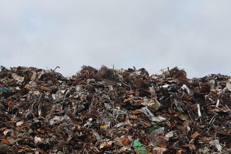 Le borse di cotone non salveranno l'ambiente: come fare la differenziata?