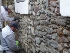 Leutner GmbH Instandsetzung einer historischen Bruchsteinmauer