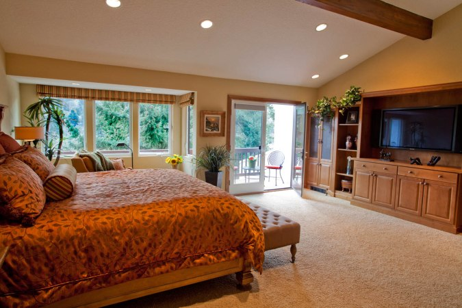 Enhanced-Italian-Traditional master bedroom