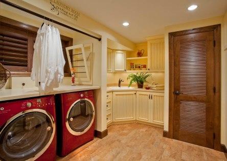 Enhanced-Italian-Traditional laundry room