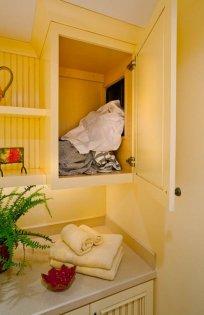 Enhanced-Italian-Traditional laundry chute