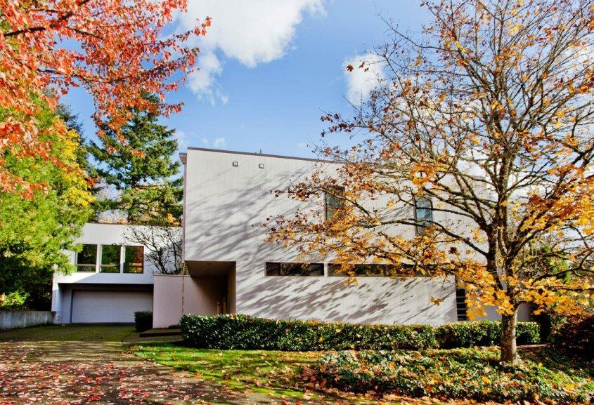 Ubo-Contemporary exterior