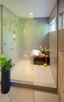 Ubo-Contemporary master suite with shower