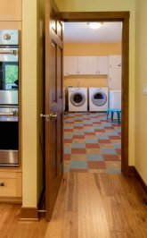 Craftsman laundry room