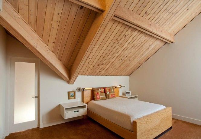 Retro sleeping area and loft