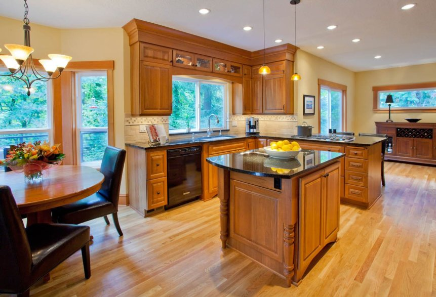 Craftsman-Transitional island kitchen