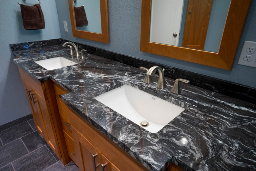 Craftsman-Traditional double vanity
