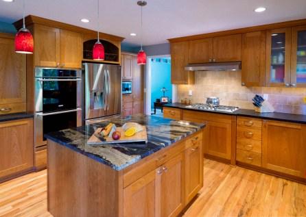 Craftsman-Traditional island kitchen