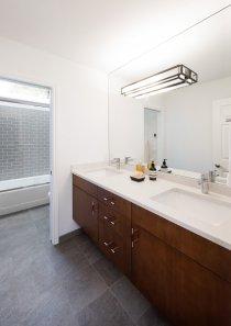 Hartung Farm Bathroom 2