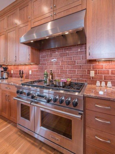 Wolf gas range in new kitchen