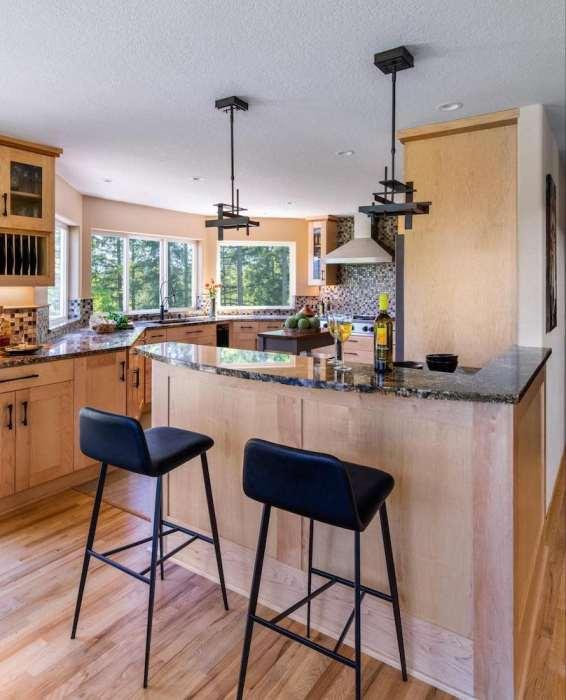 L-Shaped Kitchen with Peninsula