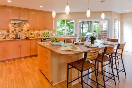 Modern Transitional Kitchen with Tile Backsplash