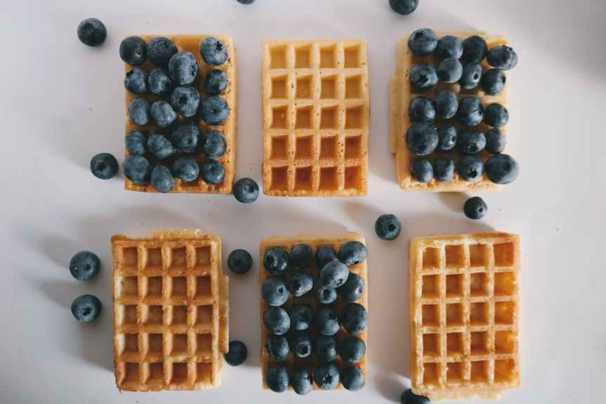 Sticky Weekend Waffles (Paleo) | Leverage Ambition