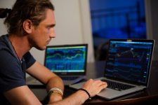 Test trading charts and indicators on demo accounts