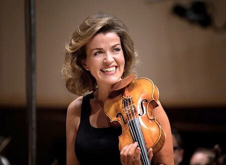 Anne-Sophie Mutter. Photo © Harald Hoffmann DG