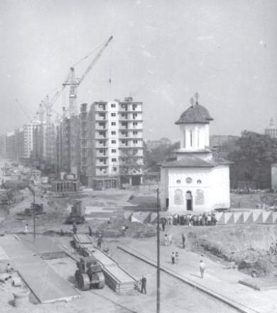 Translarea Bisericii Olari din București