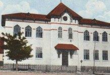 Medgidia, Școala de fete în anii 1920