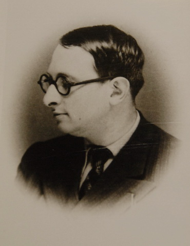 Radu Gyr. Fotografie din arhiva fiicei poetului, Simona Popa