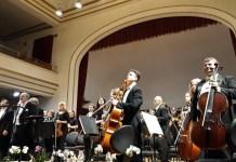 Dirijorul Romeo Rîmbu și Orchestra Filarmonicii de Stat din Oradea