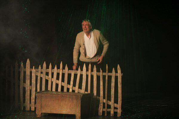 """Marcel Iureș în spectacolul """"Păi... despre ce vorbim noi aici, domnule?"""", Teatrul Act din București"""