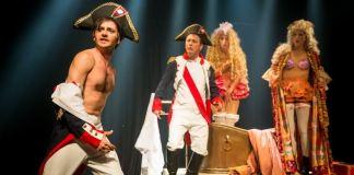 """Imagine din spectacolul """"Napoleon – viu sau mort!"""" de Nissim Aloni"""