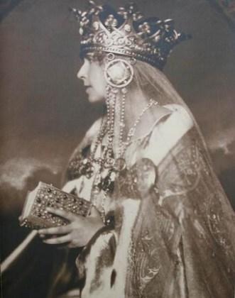 Regina Maria la încoronare