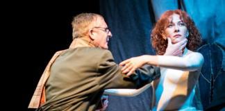 """Imagine din spectacolul """"Femeia de pe alte meleaguri"""", Teatrul Malenki din Tel Aviv"""